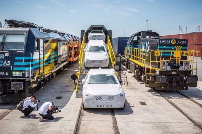 铁路商品车专用车